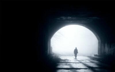 Durch das Dunkel hindurch